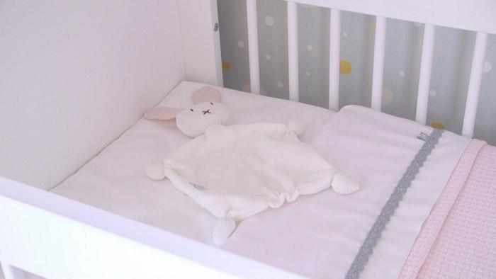 Gordijnen Babykamer Roze : Van badkamer naar duurzame babykamer duurzame kinderkamer stylist
