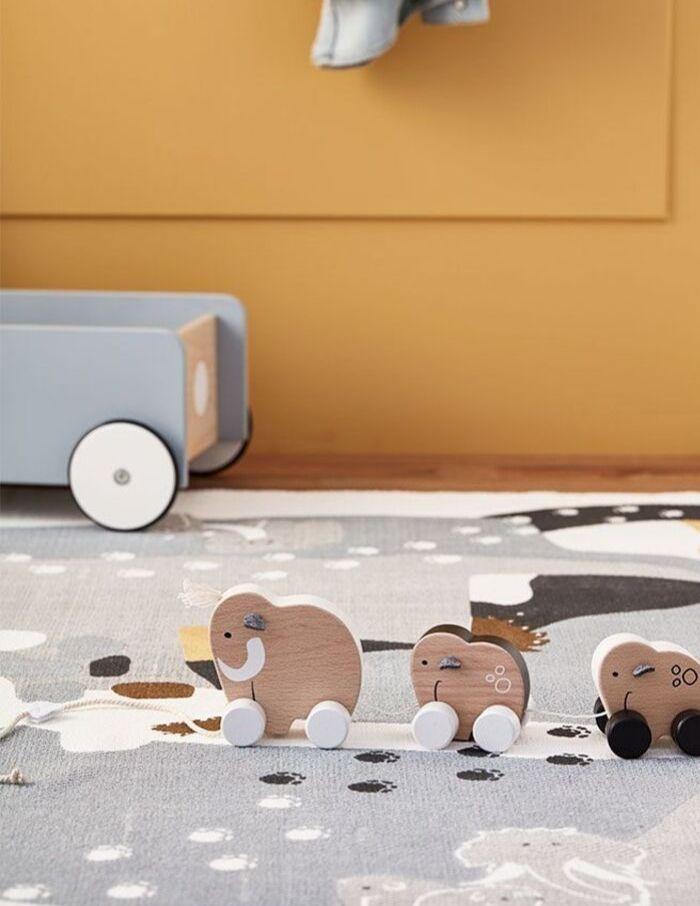 Speelgoed kinderkamer natuurlijke materialen